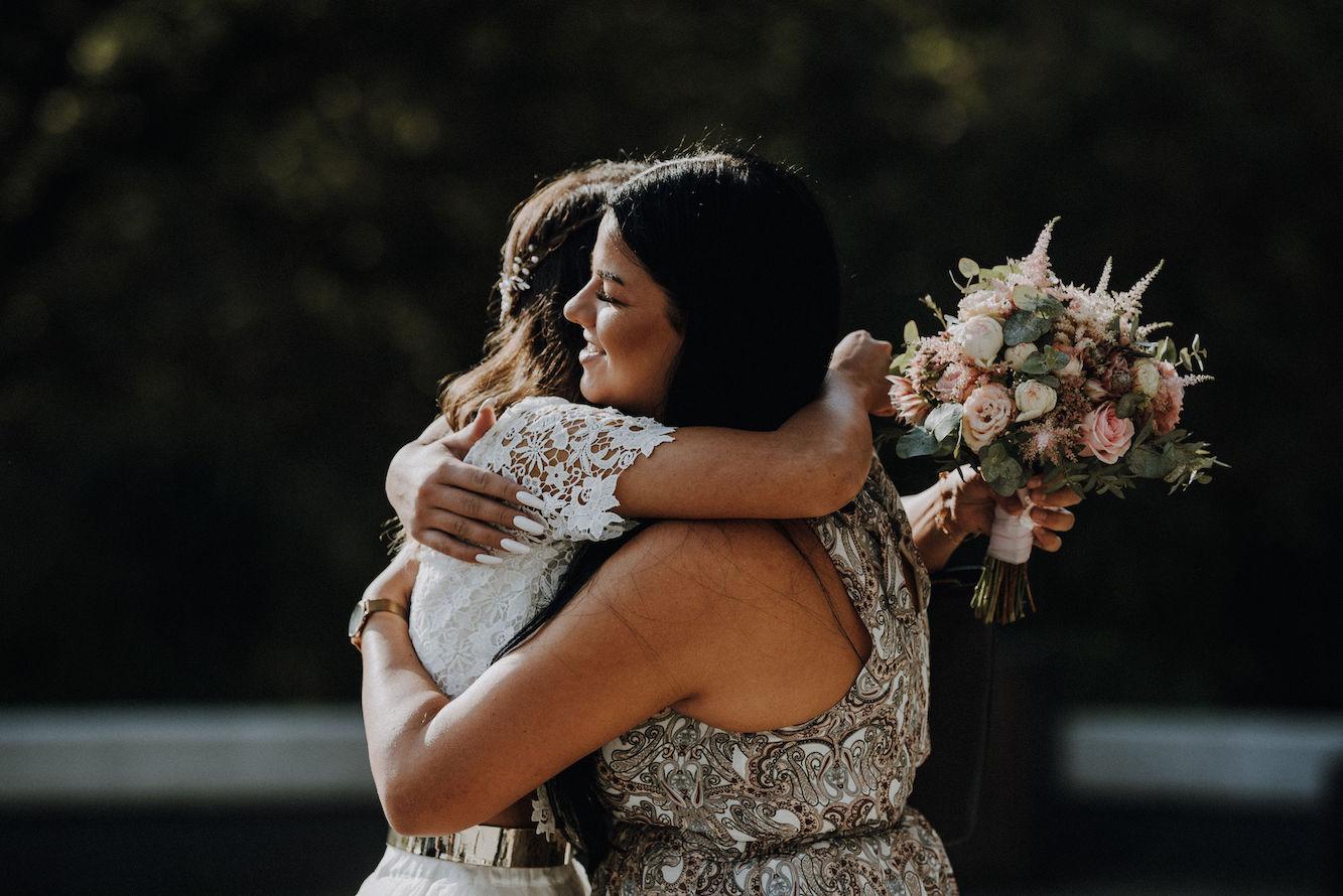 Freundinnen Emotionen Hochzeit