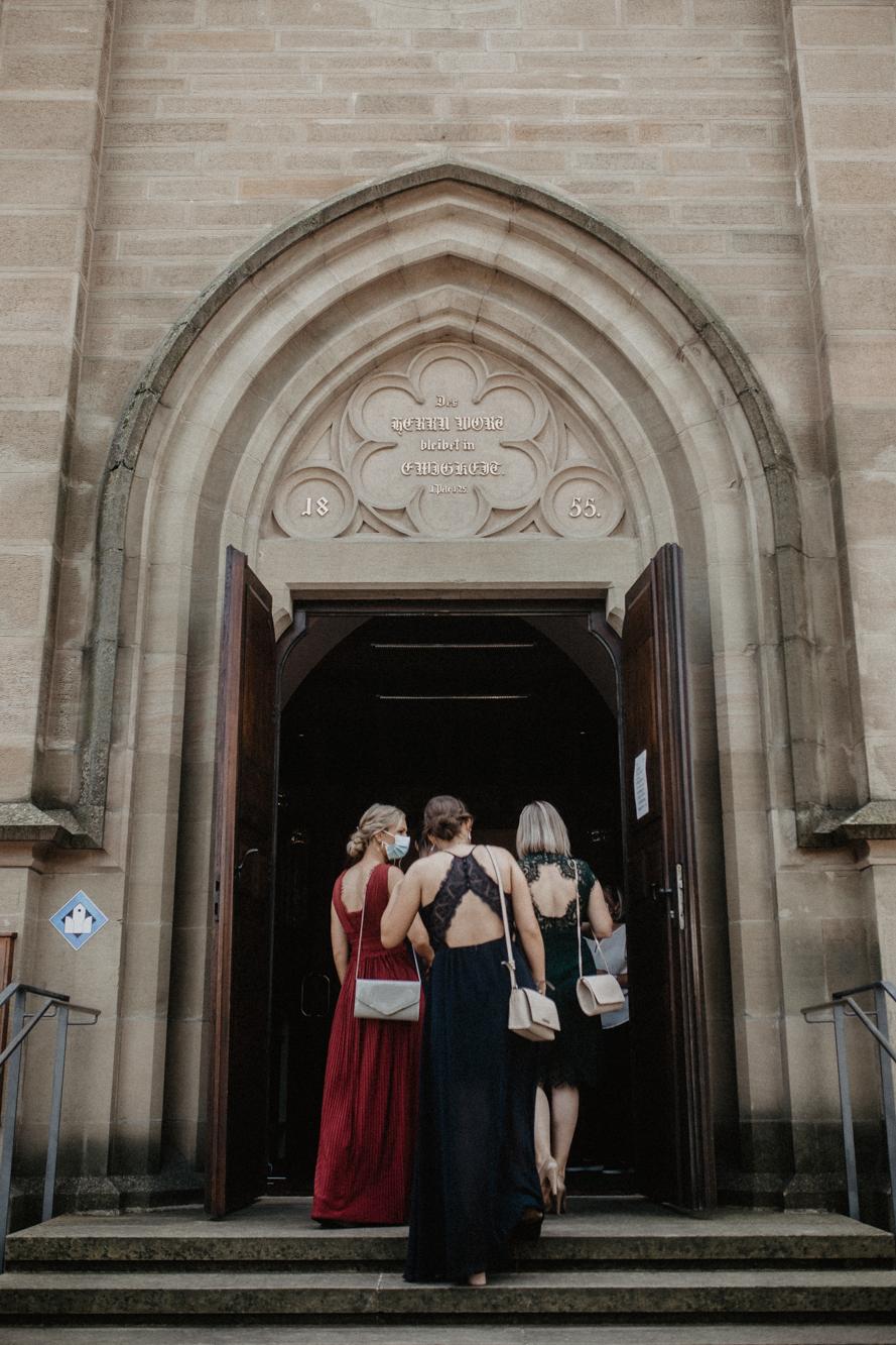 evangelische Kirche Rottenburg - hochzeit Rottenburg - Alina & Stefan